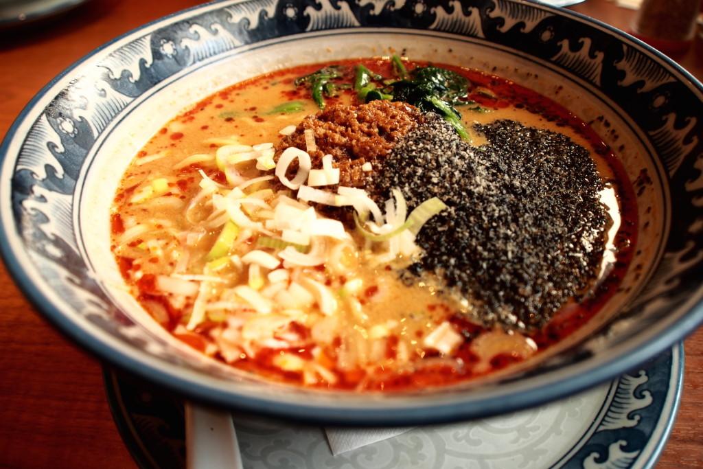 香港食卓の黒胡麻担々麺