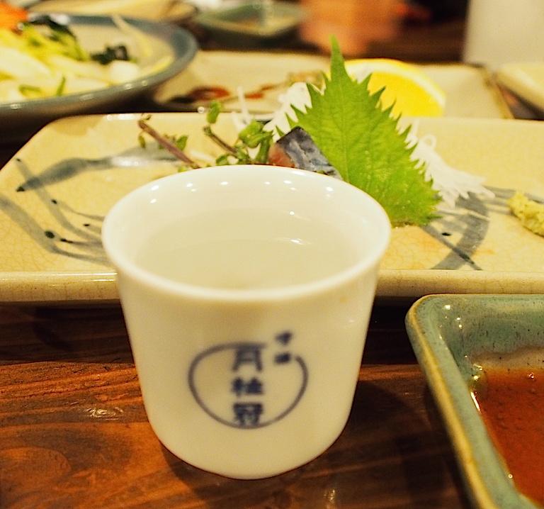 味楽で日本酒