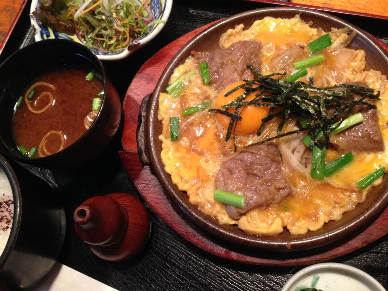 牛とじ定食(1000円)