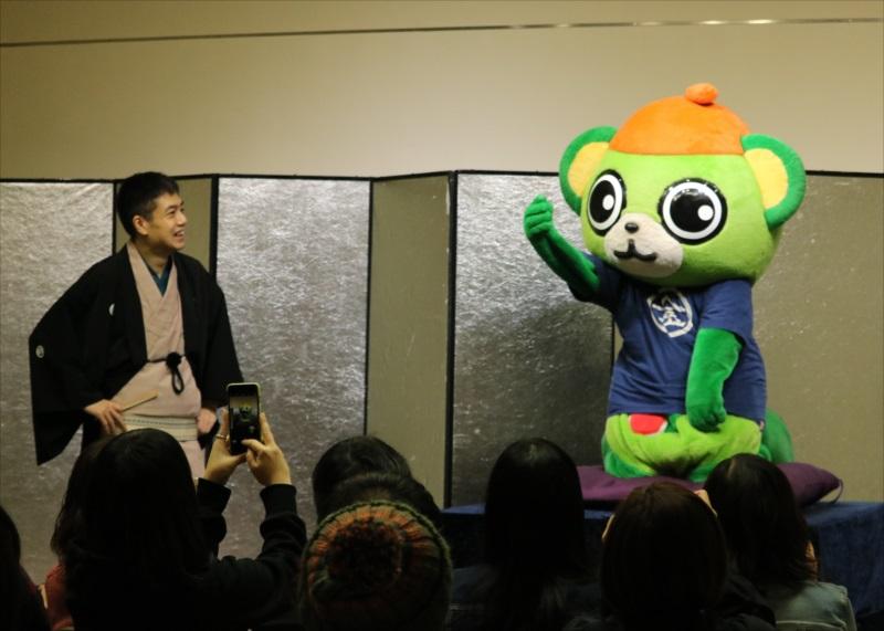 「鶴」に挑戦する大崎一番太郎